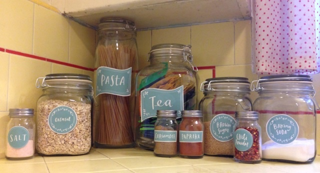 kitchen spice jar pantry organizing labels worldlabel blog