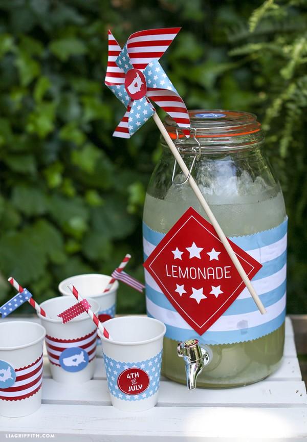 July_4_Lemonade_Stand